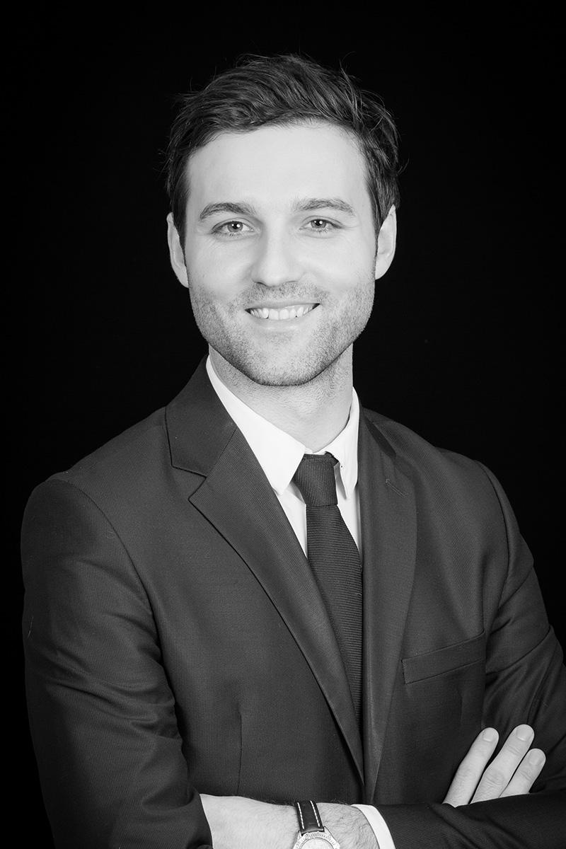 avocat noir et blanc